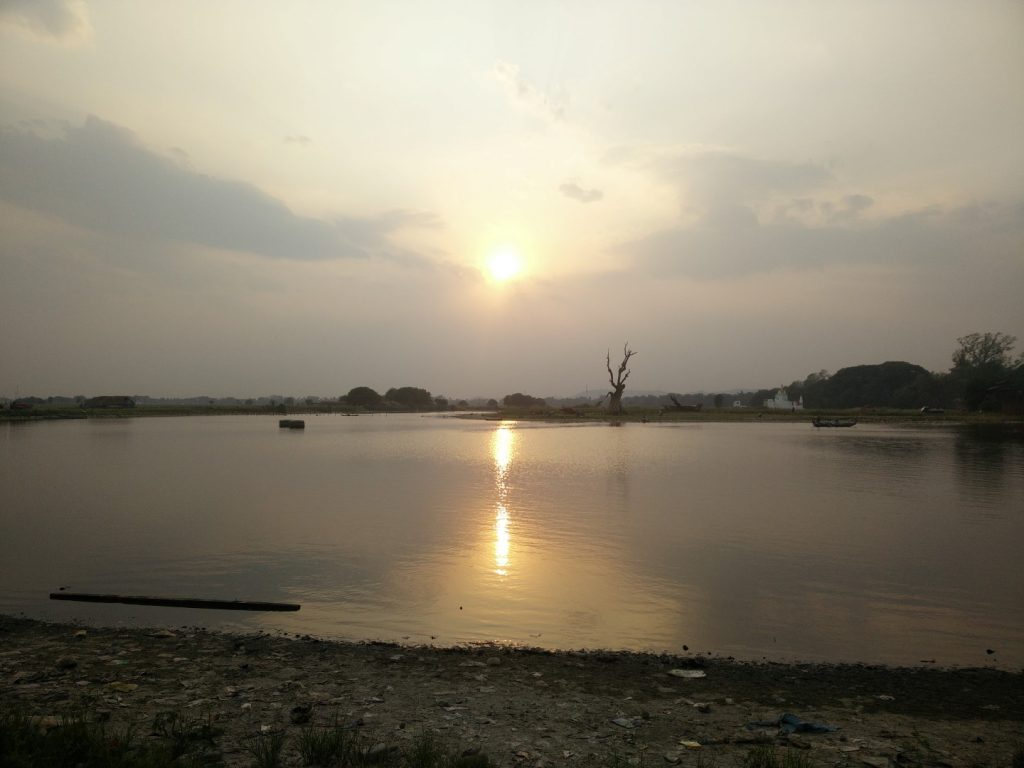 Sunset at the U Beign bridge.