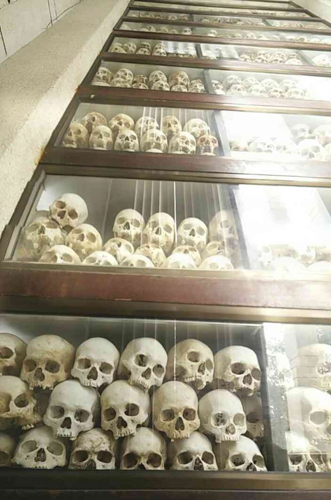 The seemingly never ending pillar of skulls.